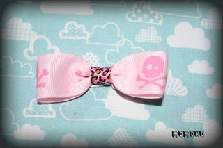 Roberta pink pirate skulls hairbow